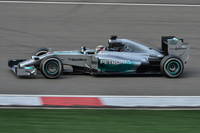 Lewis_Hamilton_2014_China_Race